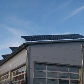 Hala w Pyskowicach moc 14 kWp panele Recom mono Inwerter SMA